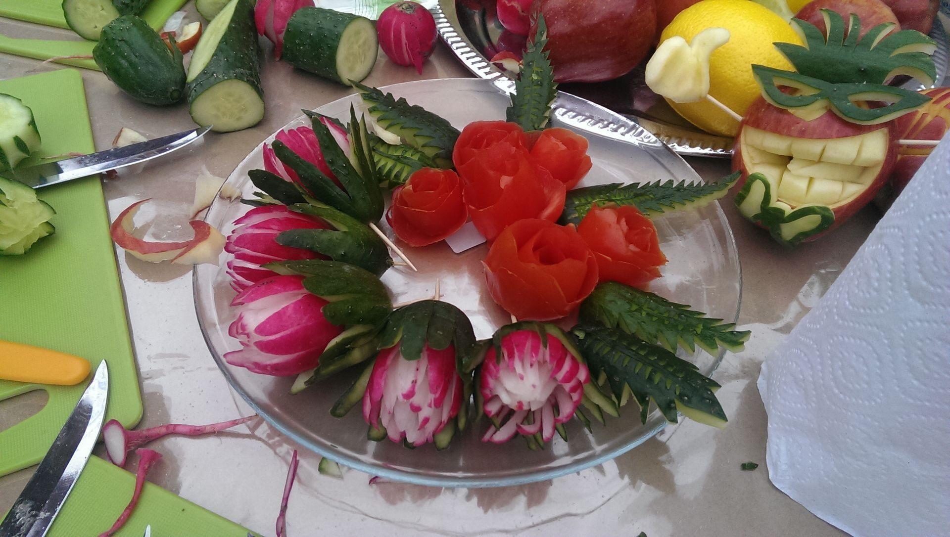 Как красиво порезать ананас на праздничный стол пошагово