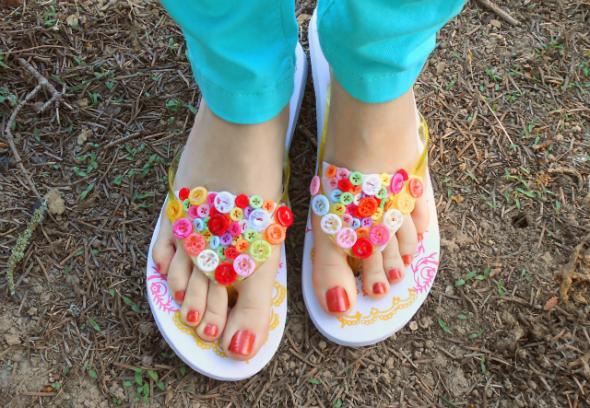 Как украсить сандали