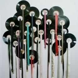Поделки из пластинки виниловых